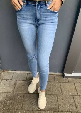 MA spring jeans