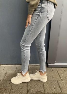 MA Grey jeans