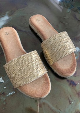 Amna slippers gold
