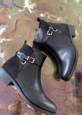 Misty boot black
