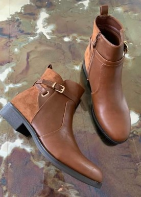 Misty boot camel