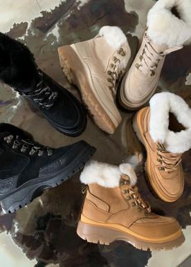 gia boot black