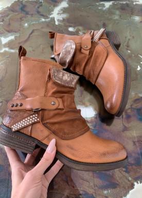 Smilla boot camel